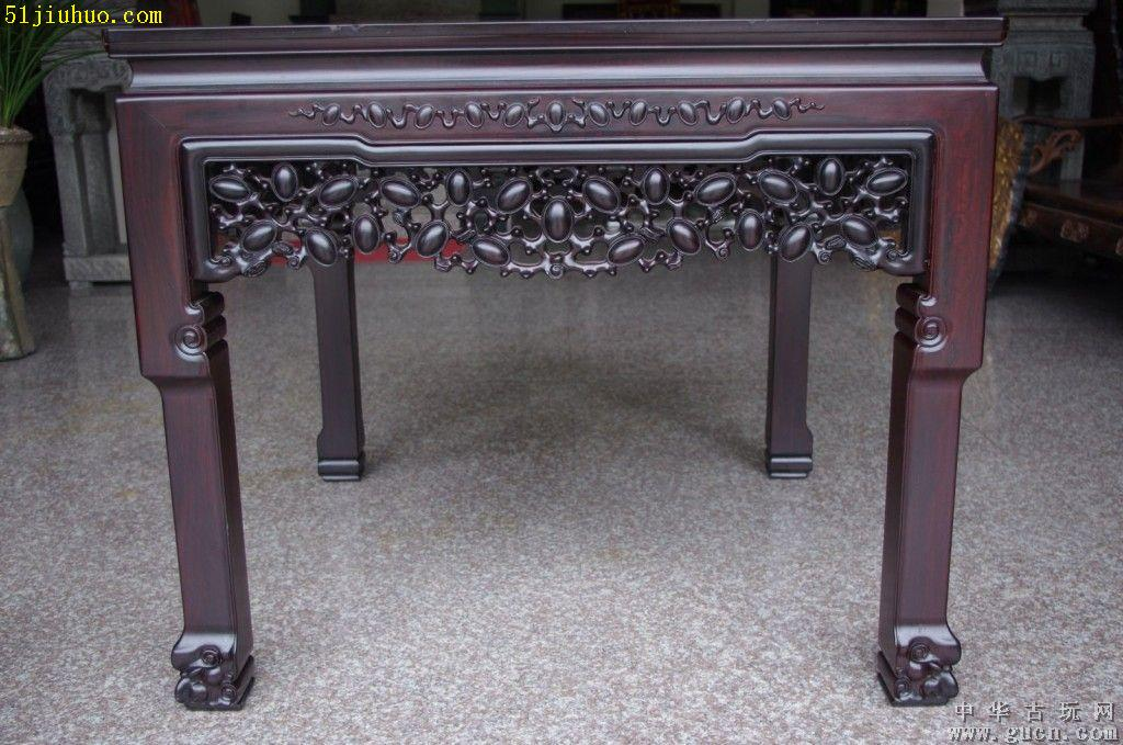 上海虹口区老式红木桌子回收红木老家具收购