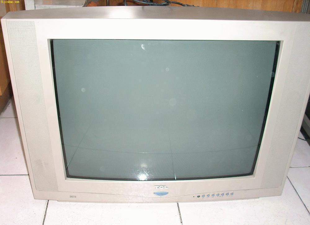描述:这是一款九成新的29寸TCL原装电视机,银色外观,色彩亮丽,声音清晰,频道200个以上,音频和视频三组,播放DVD没有问题,超平款式,满足收看要求,价格410,转让需要的朋友使用,机器在中山西路。
