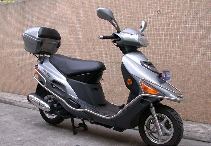 批发铃木海王星hs125t摩托车 1800元